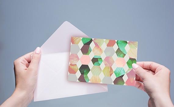 Un Impact Fort Pour Si Petit Format La Carte Postale